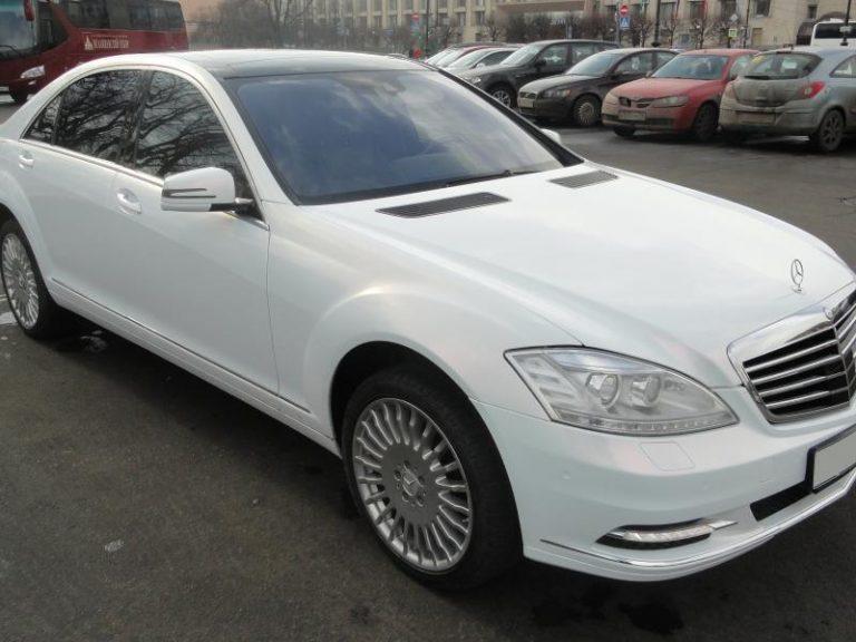 Mercedes-Benz w221 белый