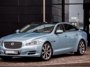 jaguar-xj-long-cristal-blue1